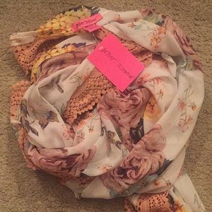 BETSEY JOHNSON Floral Print Scarf.